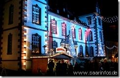 Illuminiertes Stadthaus