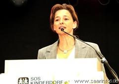 Landrätin Daniela Schlegel Friedrich hob die Bedeutung des Kinderdorfes hervor 6583w